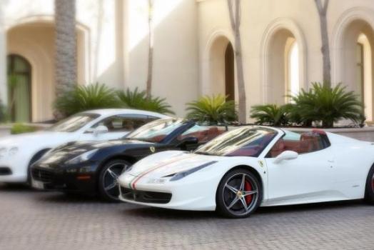 (Italiano) Norvegia: La vendita di macchine di lusso aumenta progressivamente