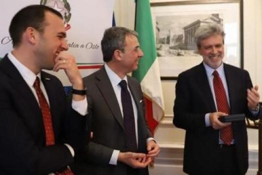 (Italiano) Ambasciata italiana a Oslo è plastic free