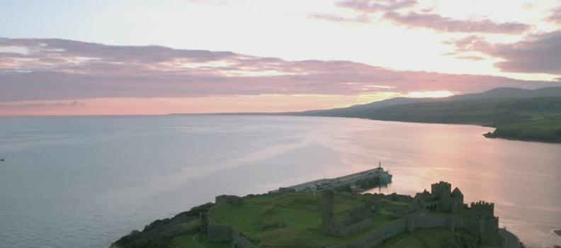 NORVEGIA: TURISTI DELLE NAVI DA CROCIERA AFFRONTANO I RIFIUTI DELL'ISOLA DI MAN NEL MAR D'IRLANDA