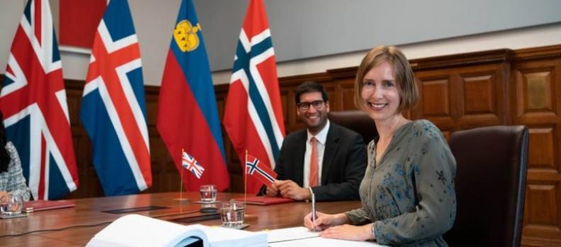 Il ministro del Commercio norvegese firma un accordo di libero scambio con il Regno Unito