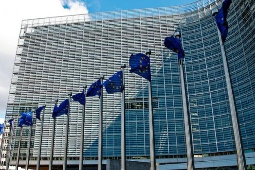 (Italiano) Commissione europea: adottato Libro bianco per 'disciplinare' gli investimenti stranieri