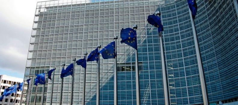 Commissione europea: adottato Libro bianco per 'disciplinare' gli investimenti stranieri