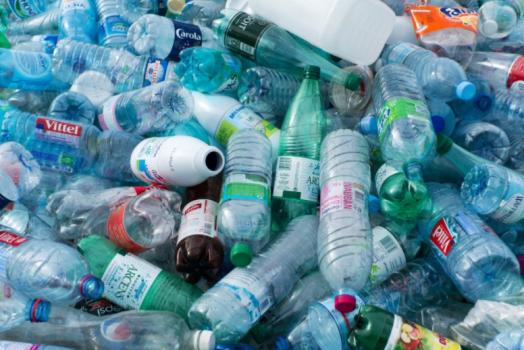 NORVEGIA: ECCO COME VENGONO RICICLATE LE BOTTIGLIE DI PLASTICA